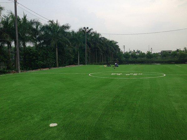 Sân bóng cỏ nhân tạo Nhà máy gạch Hoa Sơn – Bắc Ninh