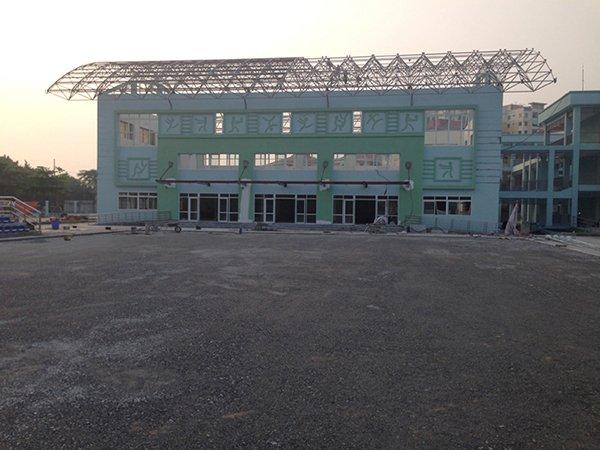 Thi công Sân bóng cỏ nhân tạo trường học Khu Việt Hưng Hà Nội