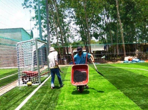Bảng giá thi công sân cỏ nhân tạo