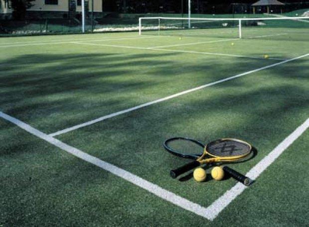 Sân tennis cỏ nhân tạo đạt tiêu chuẩn