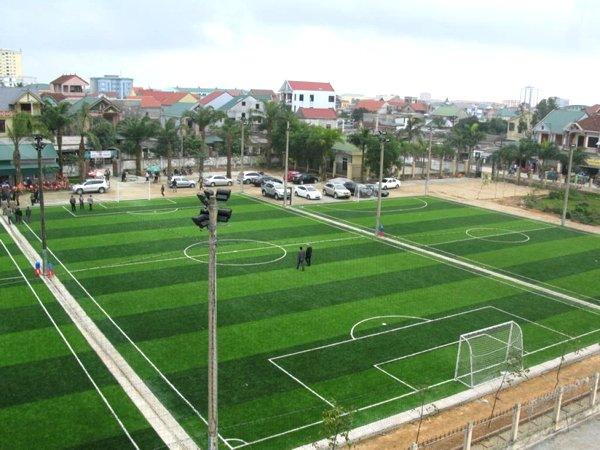 Thi công sân bóng đá cỏ nhân tạo 7 người