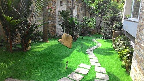 qui trình thi công cỏ nhân tạo cho sân vườn