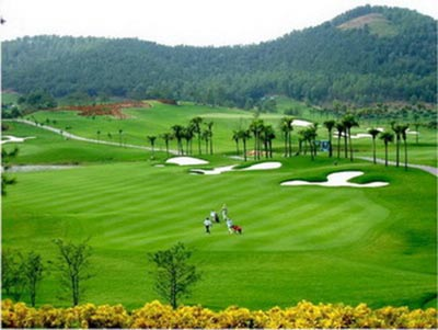 co-nhan-tao-mang-den-ve-chuyen-nghiep-cho-san-golf-quoc-te-dong-mo