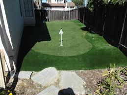 mô hình sân golf cỏ nhân tạo ngời trời tại nhà