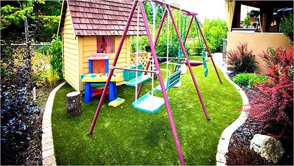 Cỏ nhân tạo sân vườn làm sân chơi tuyệt vời cho trẻ