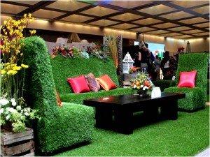 Cỏ nhân tạo sân vườn làm thay đổi không gian quán cà phê